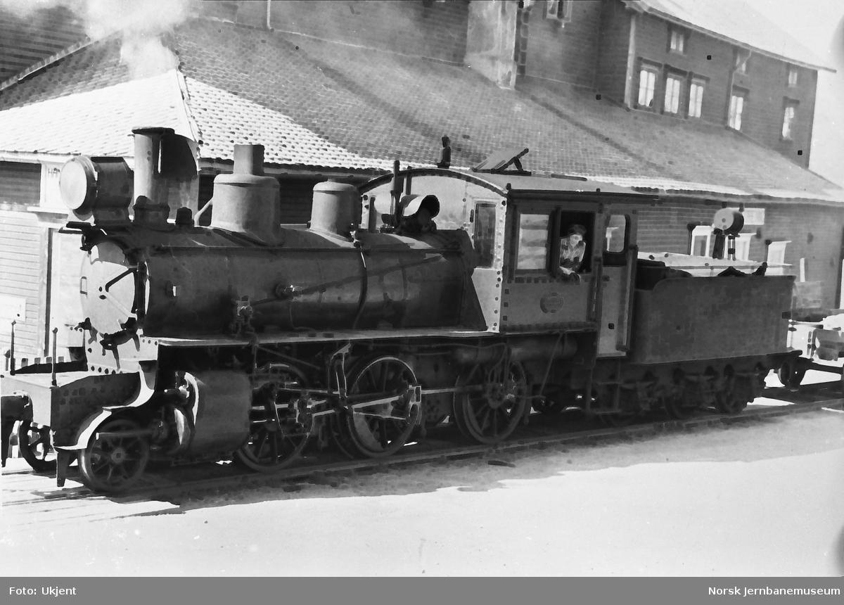 Damplokomotiv nr. 82, som ble kjøpt brukt fra NSB