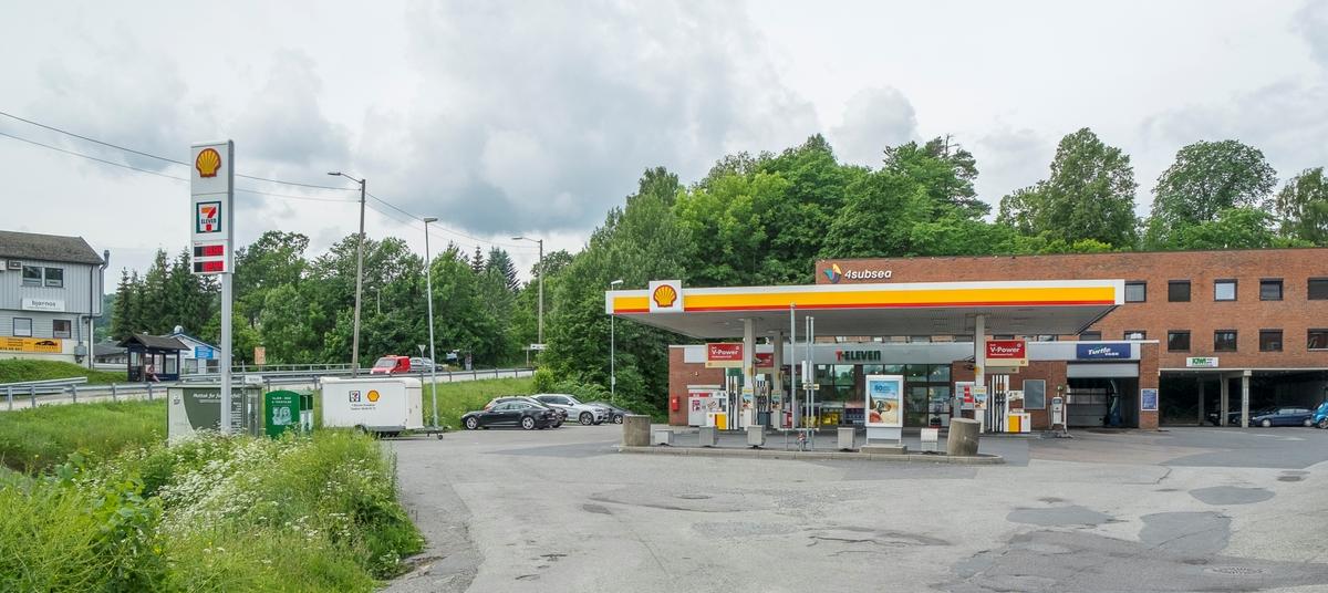 Shell bensinstasjon Smedsvingen, Hvalstad, Asker