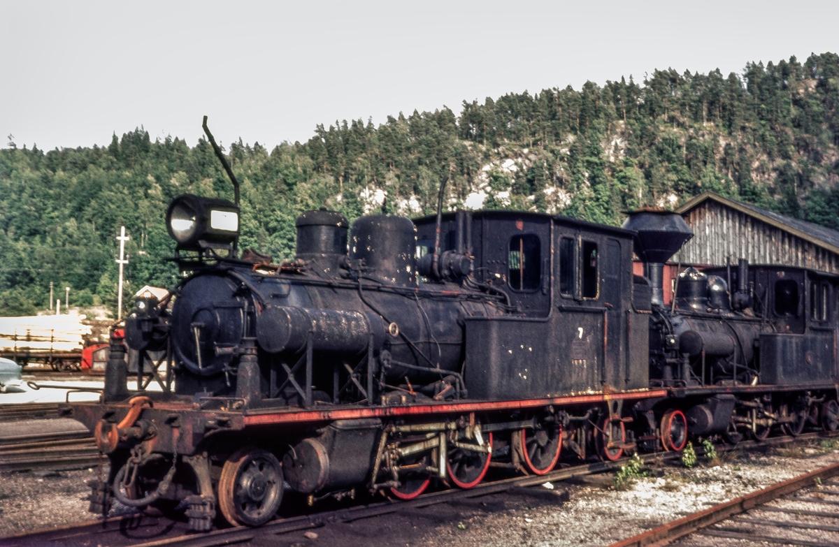 Setesdalsbanens damplokomotiv nr. 7 på driftsbanegården på Grovane.