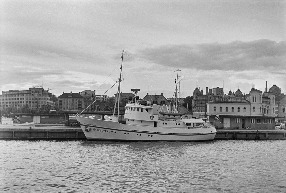 Redninsselskapes redningskrysser Skomvær II ved kai i Oslo.