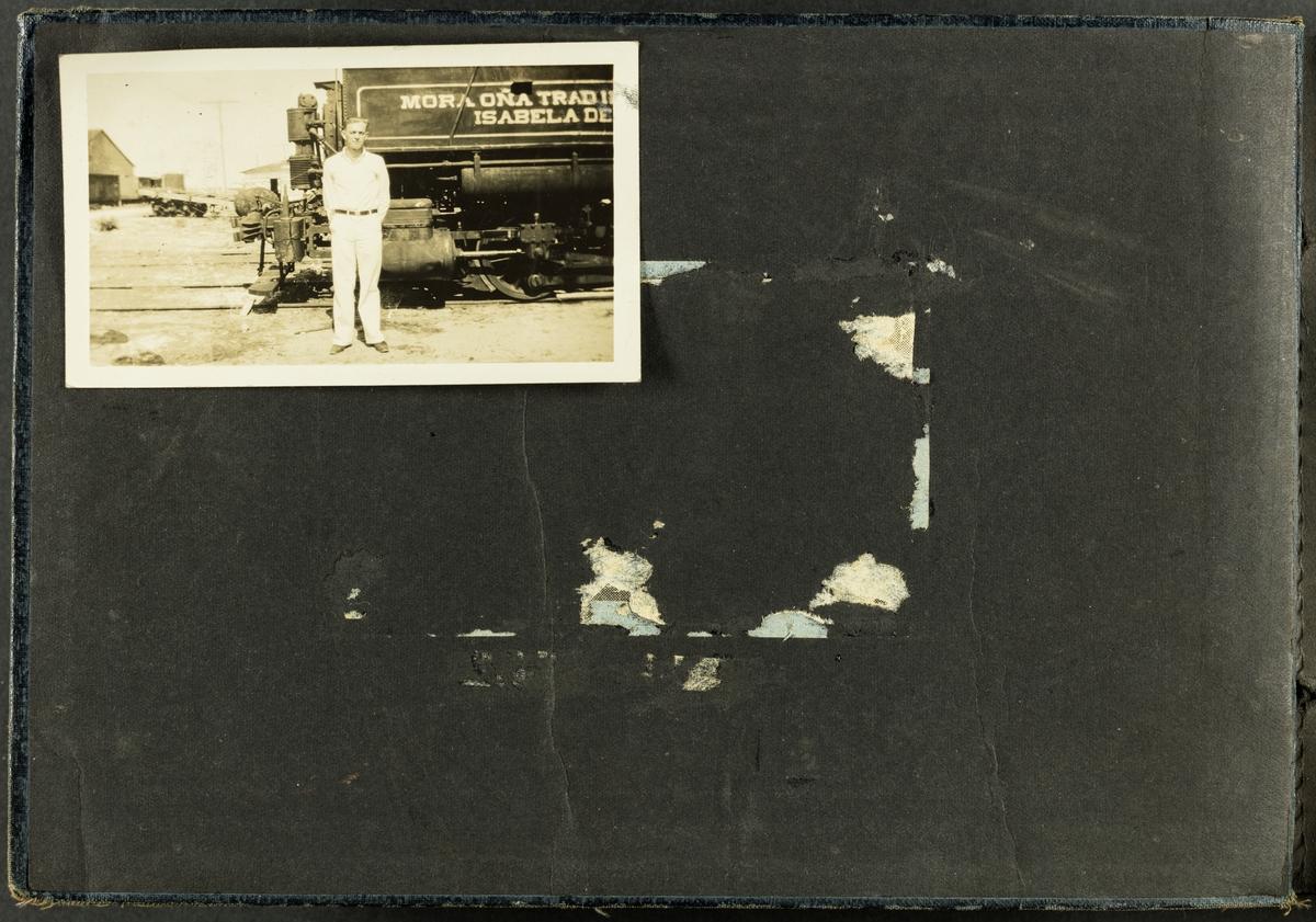 Første side av fotoalbum av Martin Mathiesen.