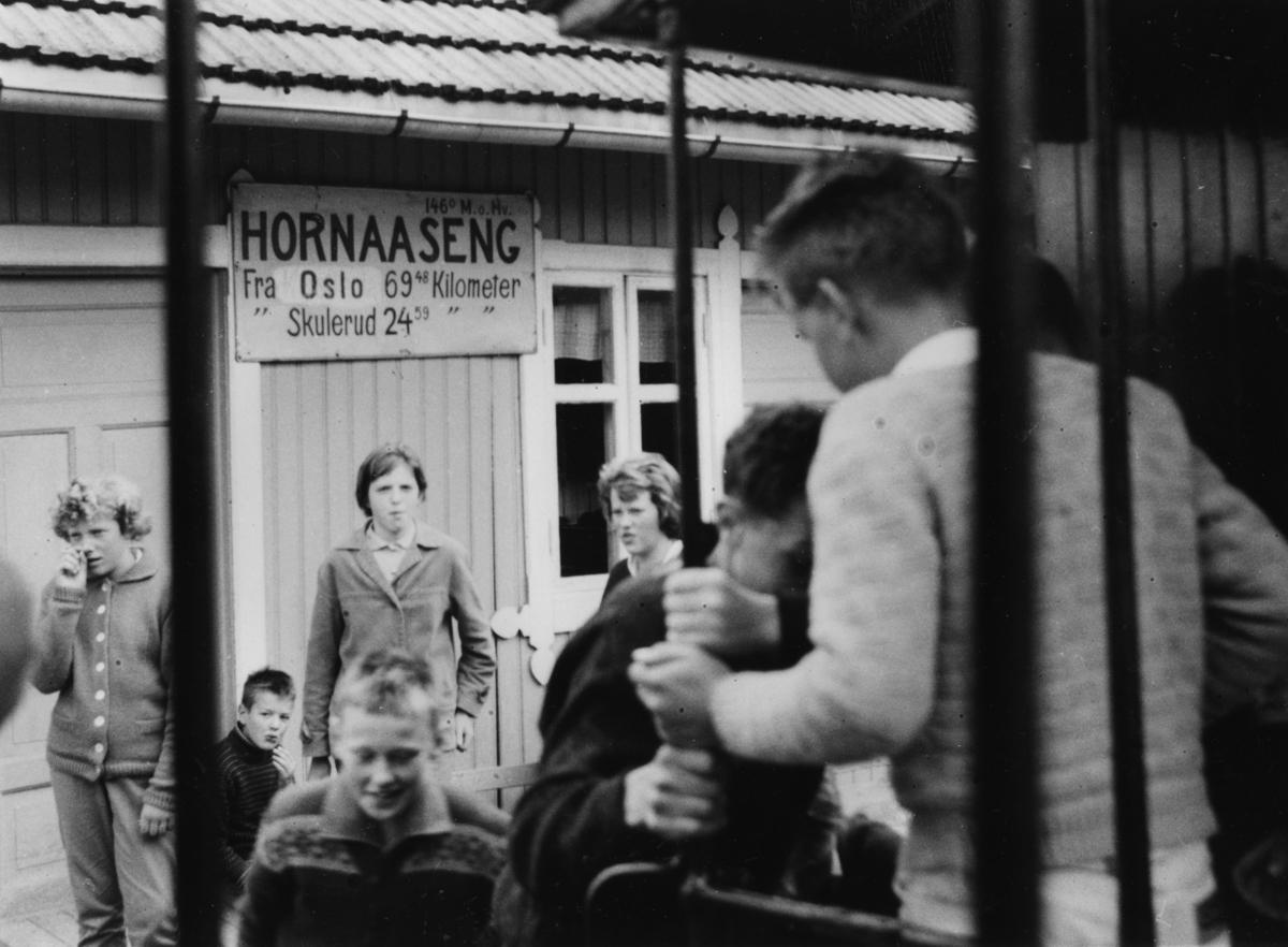 Siste ordinære driftsdag på Aurskog-Hølandbanen. Mange reisende.