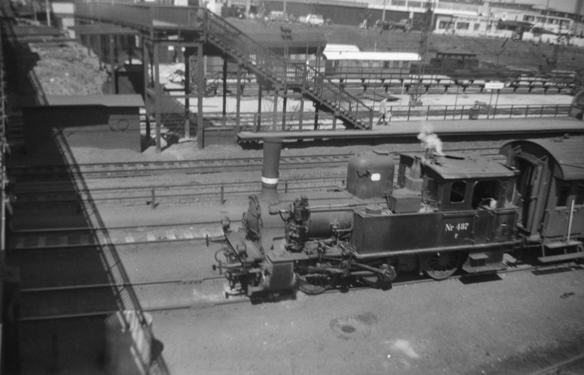Dansk damplokomotiv type F nr. 487 på København Hovedbanegård.