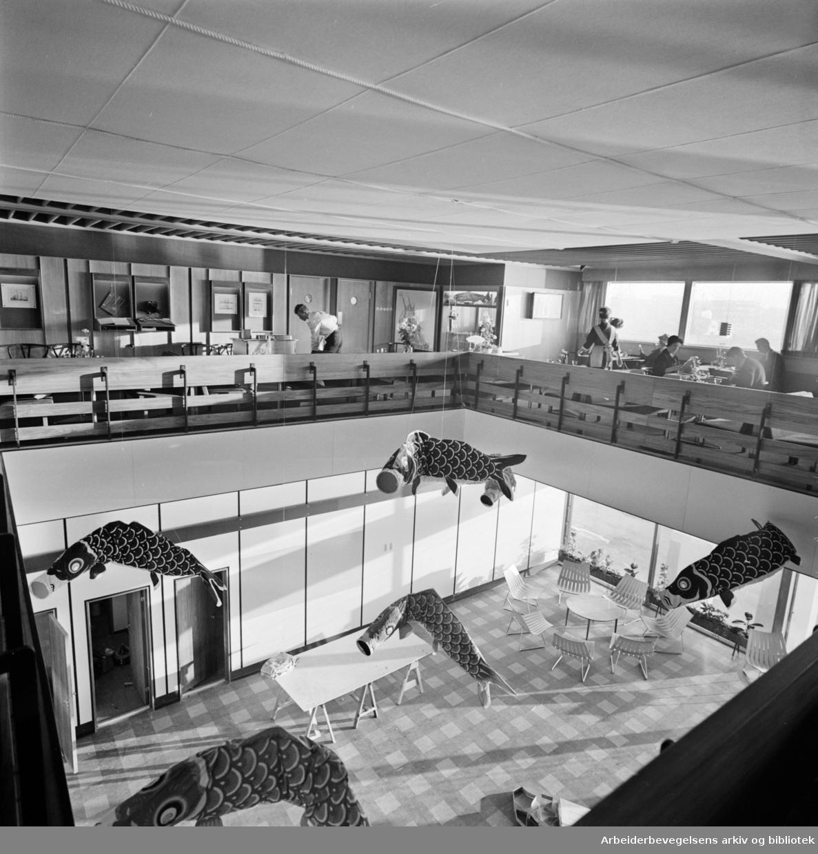 Fregatten (Fiskeretaurant). Interiører. November 1961.