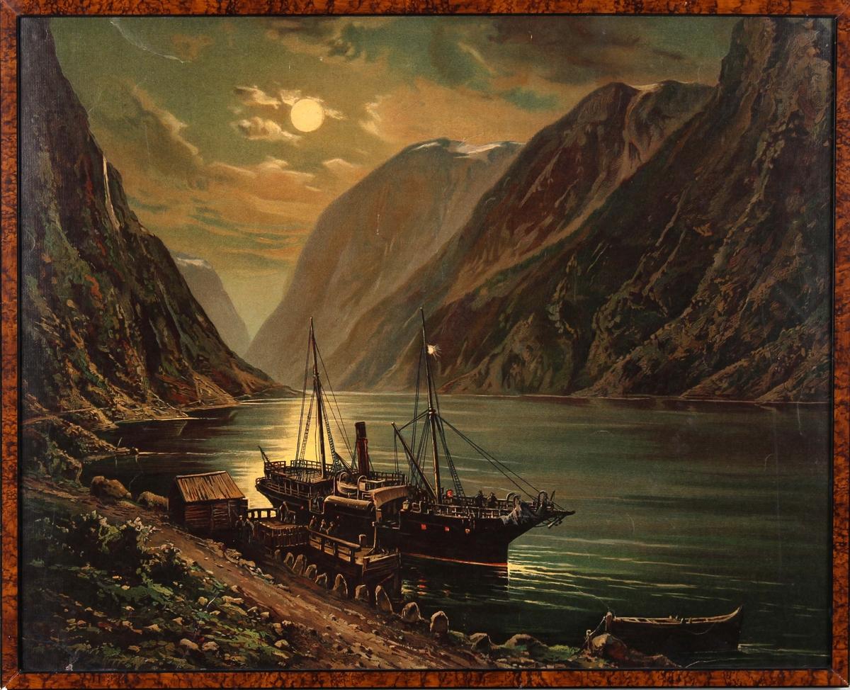 Kopi av oljemaleri av DS FJALIR tilh. Fylkesbaatane i Sogn og Fjordane ved kai i Gudvangen i måneskinn ca. 1870-årene.