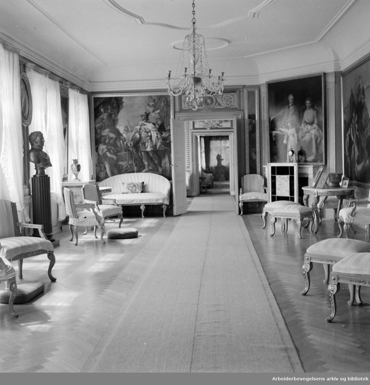Bogstad gård. Interiør. Mars 1957