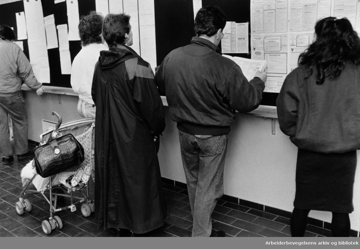 Arbeidsformidlingen. November 1988