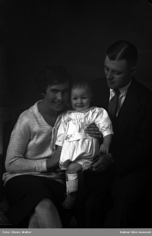 Bilden är tagen av Anna eller Alva Winell. Walter Olson övertog systrarnas ateljé 1928 och drev drev den sedan till 1968.