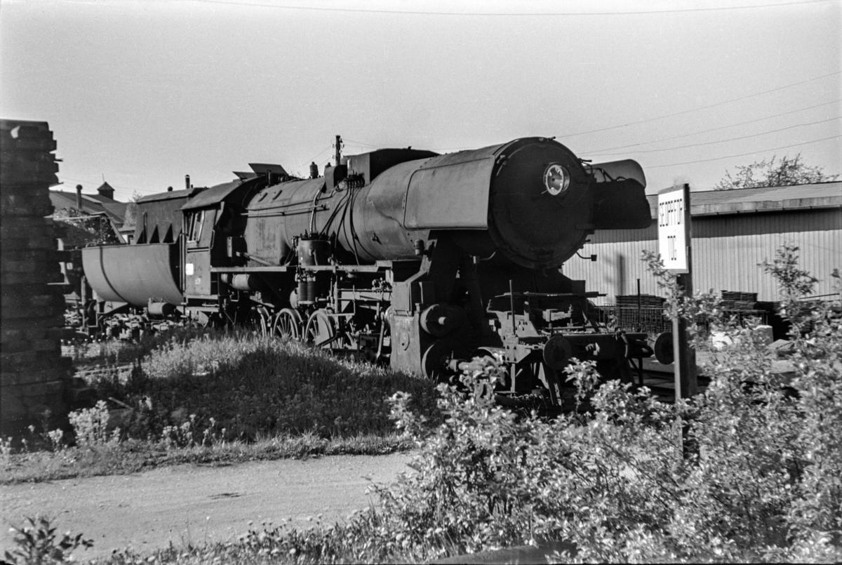 Hensatt damplokomotiv type 63a nr. 6081 på Lillestrøm stasjon.