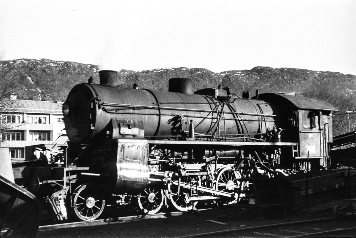 Damplokomotiv type 31b nr. 419 ved Kronstad Verksted. Prøvefyring etter reivsjon.
