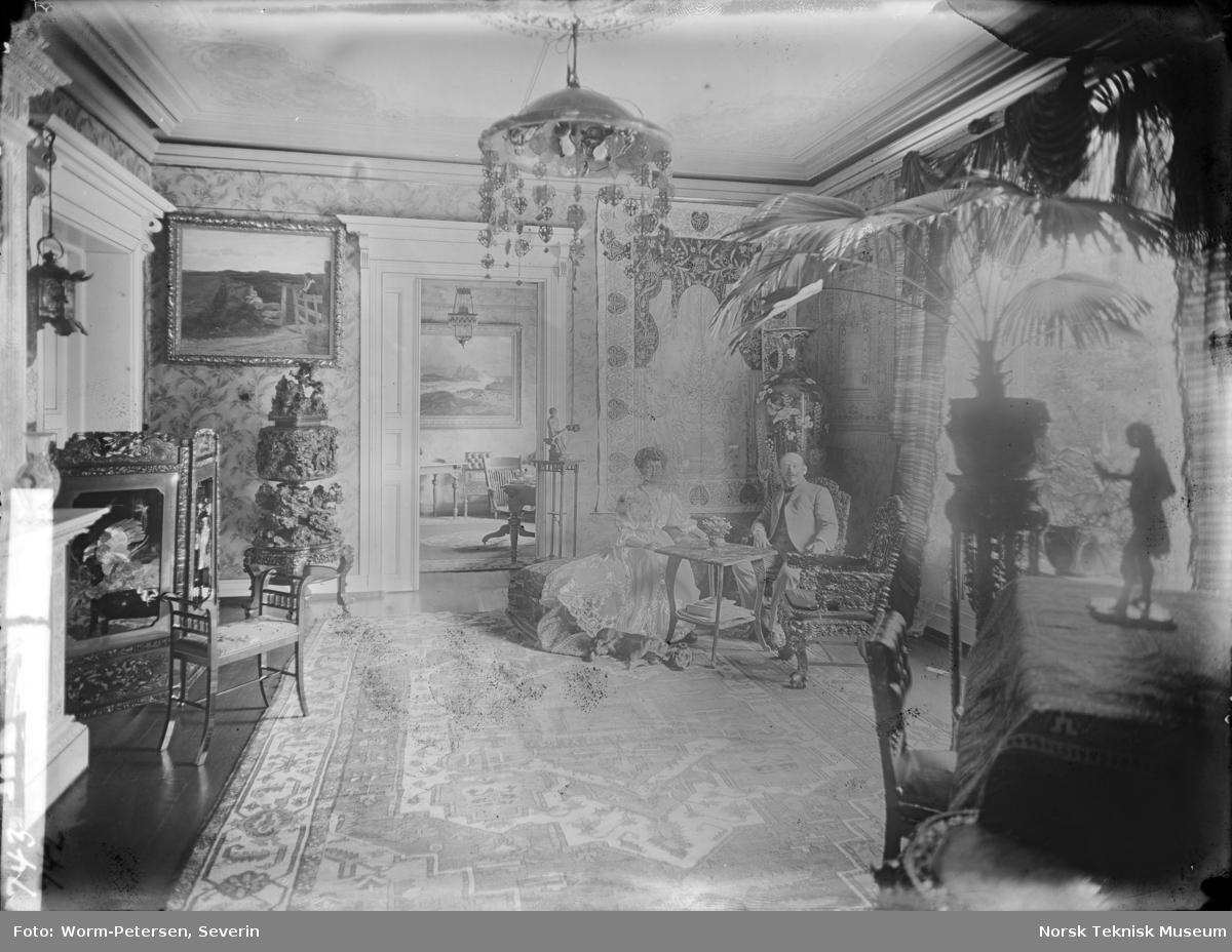Kristian Birkeland og hans kone Ida hjemme i Inkognitogaten