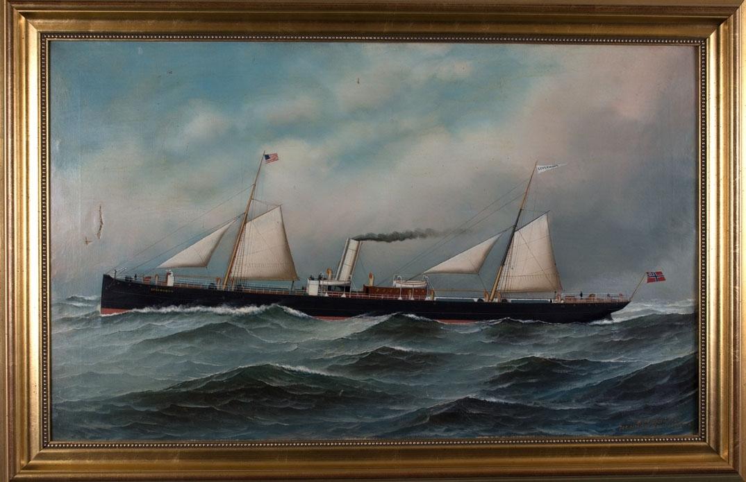 Skipsportrett av DS LYDERHORN under fart med seilføring. I åpen sjø med amerikanske flagg i formast, vimpel  med skipets navn i bakre mast samt unionsflagg akter.