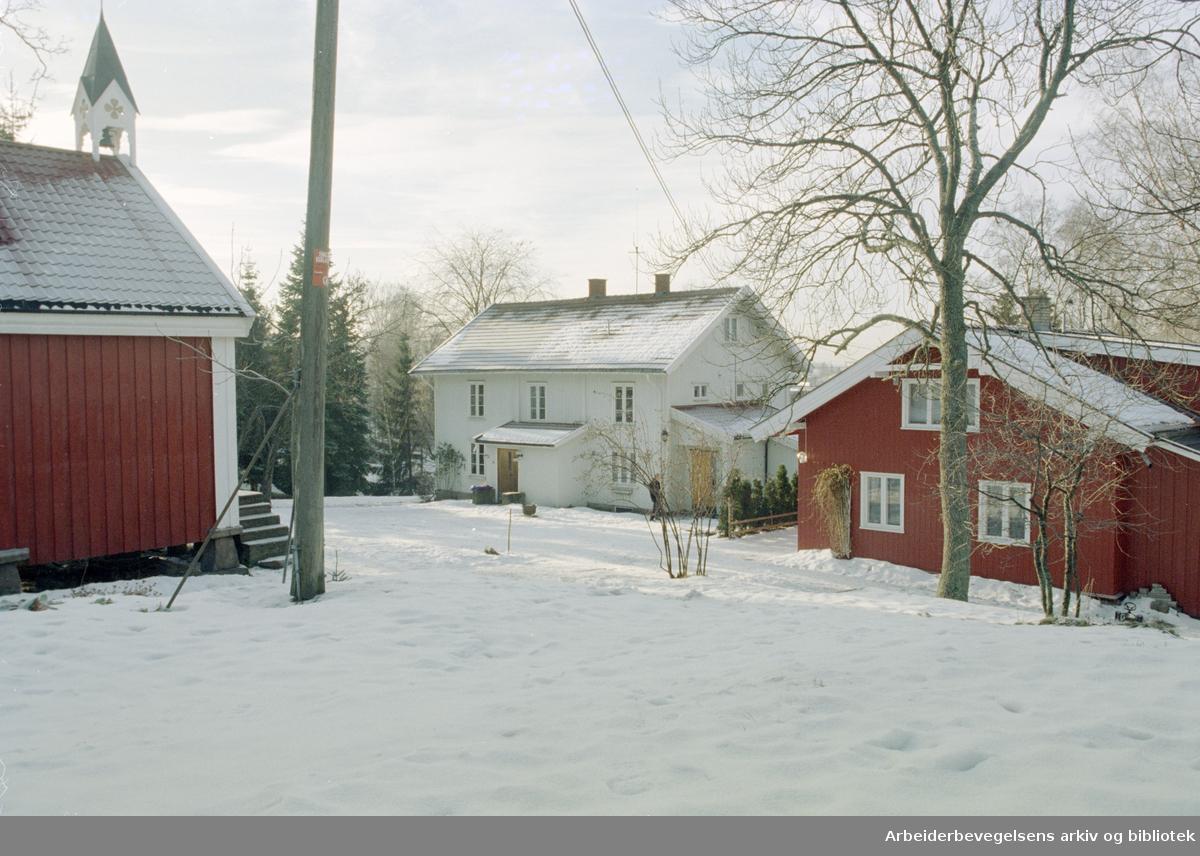 Oslo: Furuset. Nedre Furuset gård i Micheletveien 37. 20. januar 1997