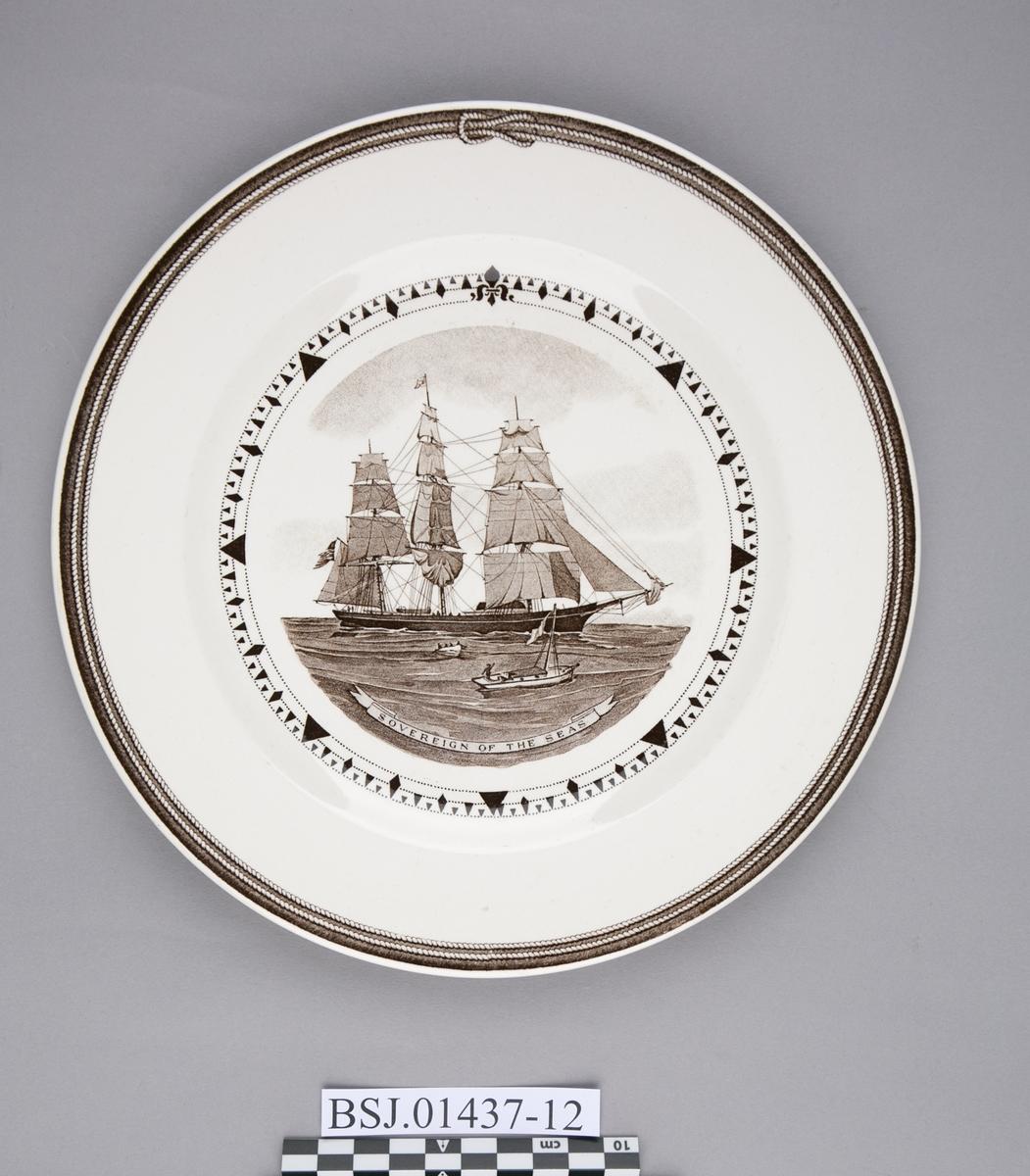 Tallerken med motiv av SOVEREIGN OF THE SEAS, amerikansk klipper skip