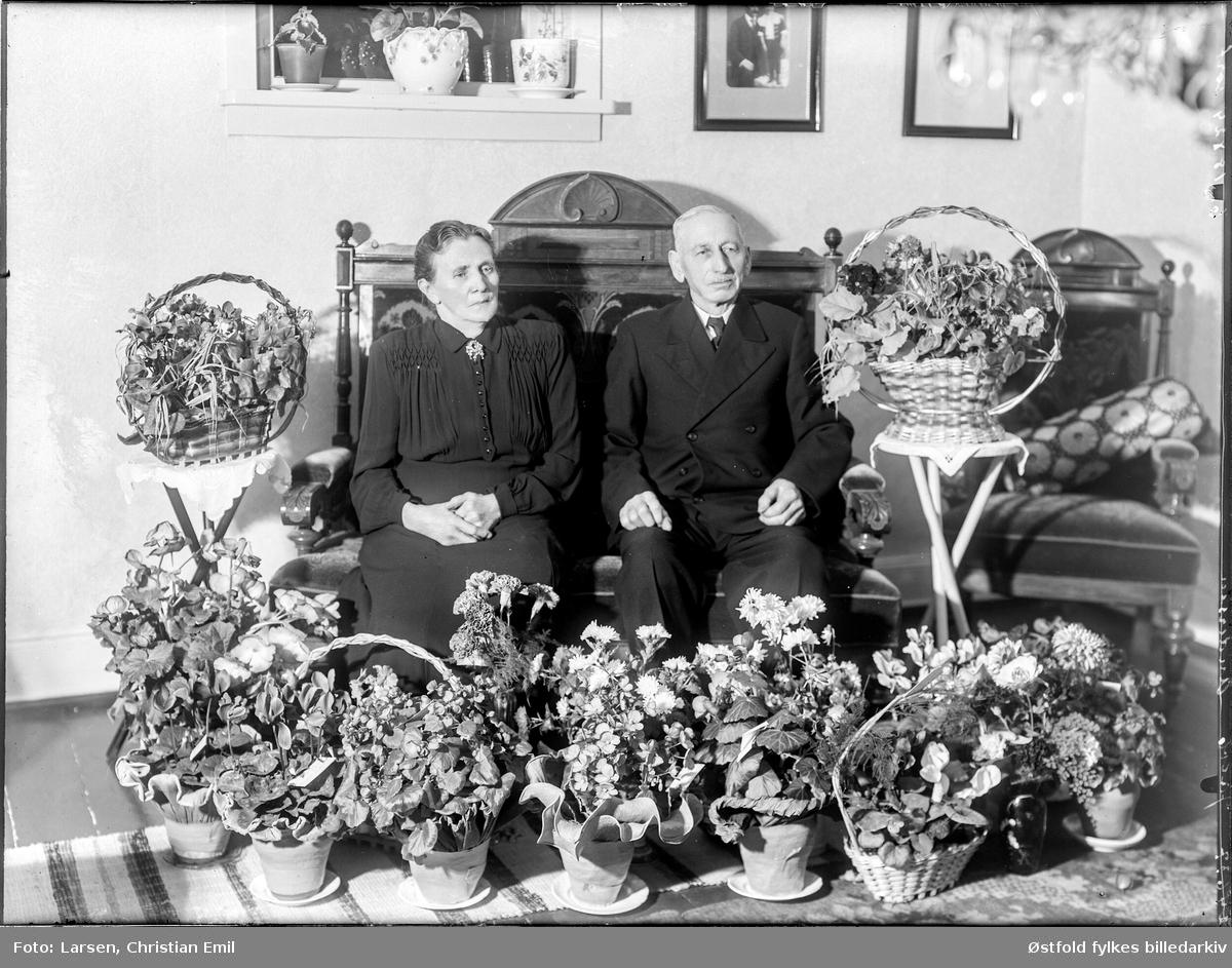 Gullbryllup, Jakob Andersen, med adresse Hvidsten i Borge (bestillers navn) med kone i 1951.
