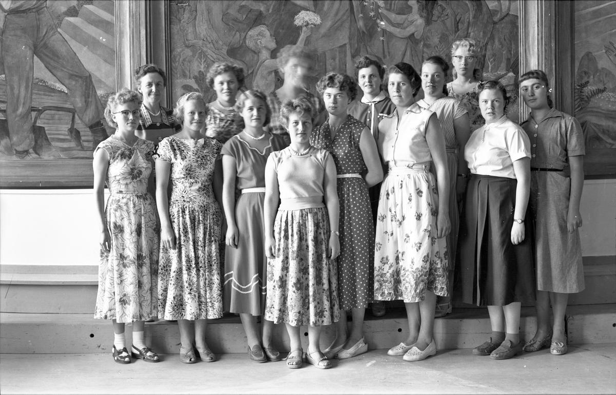 Gruppe jenter på Bjerkly.