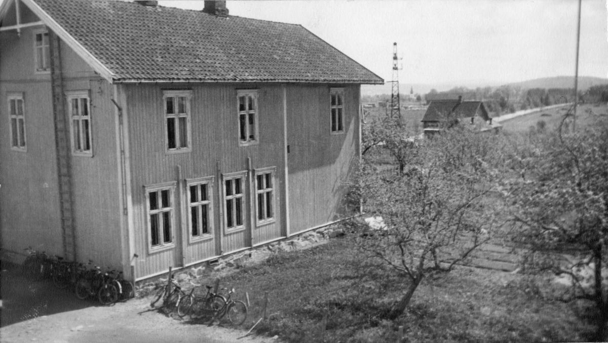 Ås skole, Eidsvoll. Ble flyttet til Finstad i 1950.