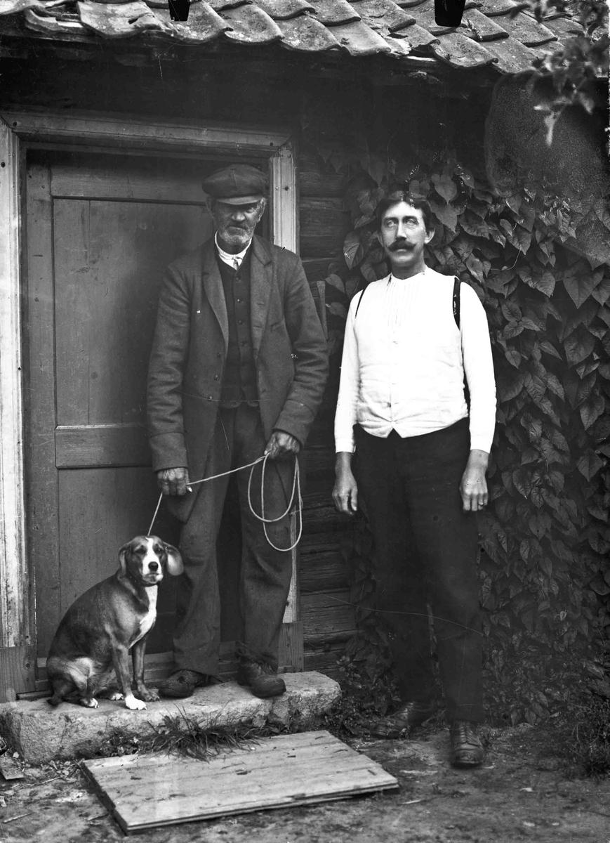 Portrett. Alf Toftner til høyre og eldre mann.