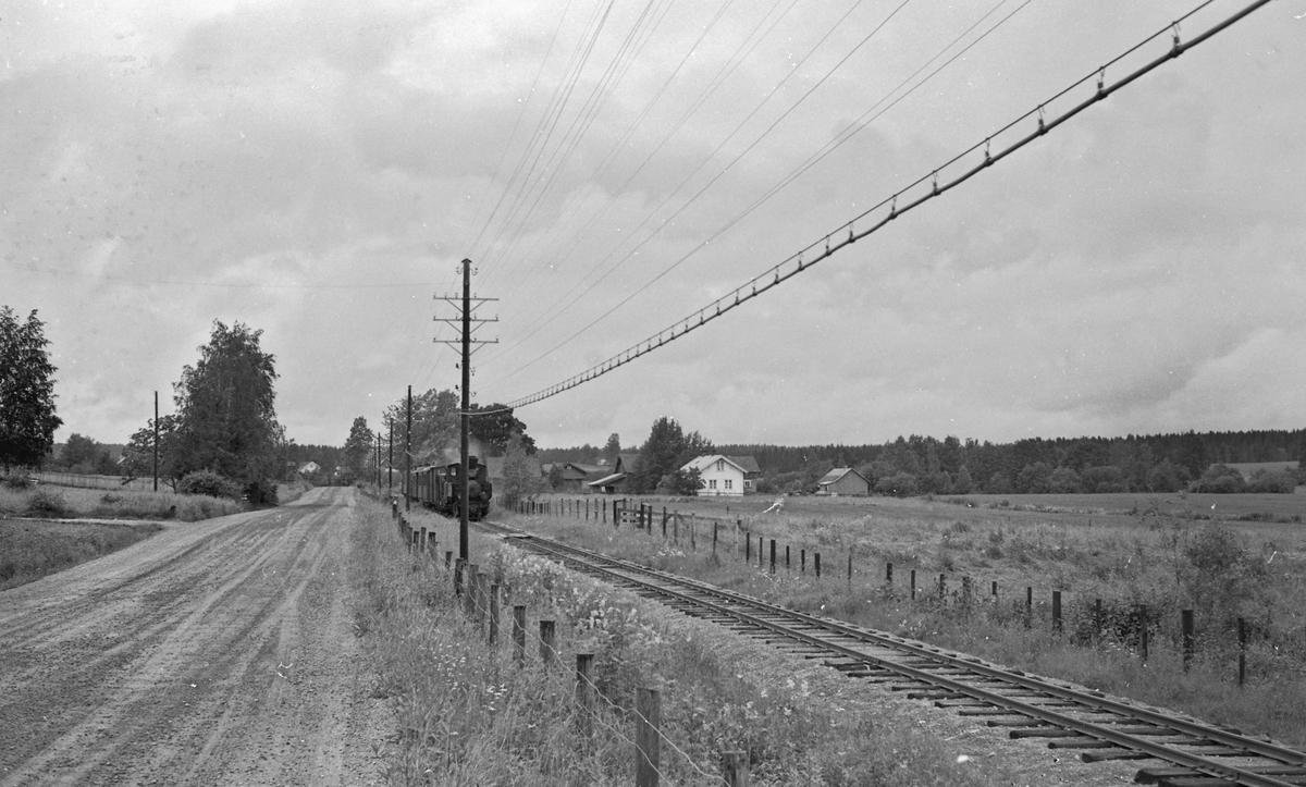 Tog retning Skulerud på strekningen Aurskog - Lierfoss.