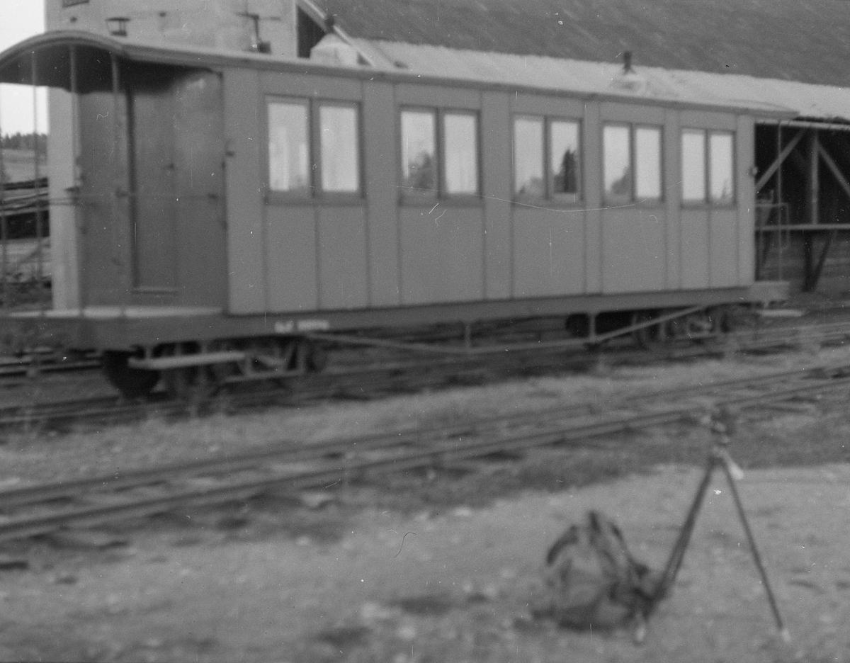 Personvogn Co 2 ved søndre vanntårn på Bjørkelangen stasjon
