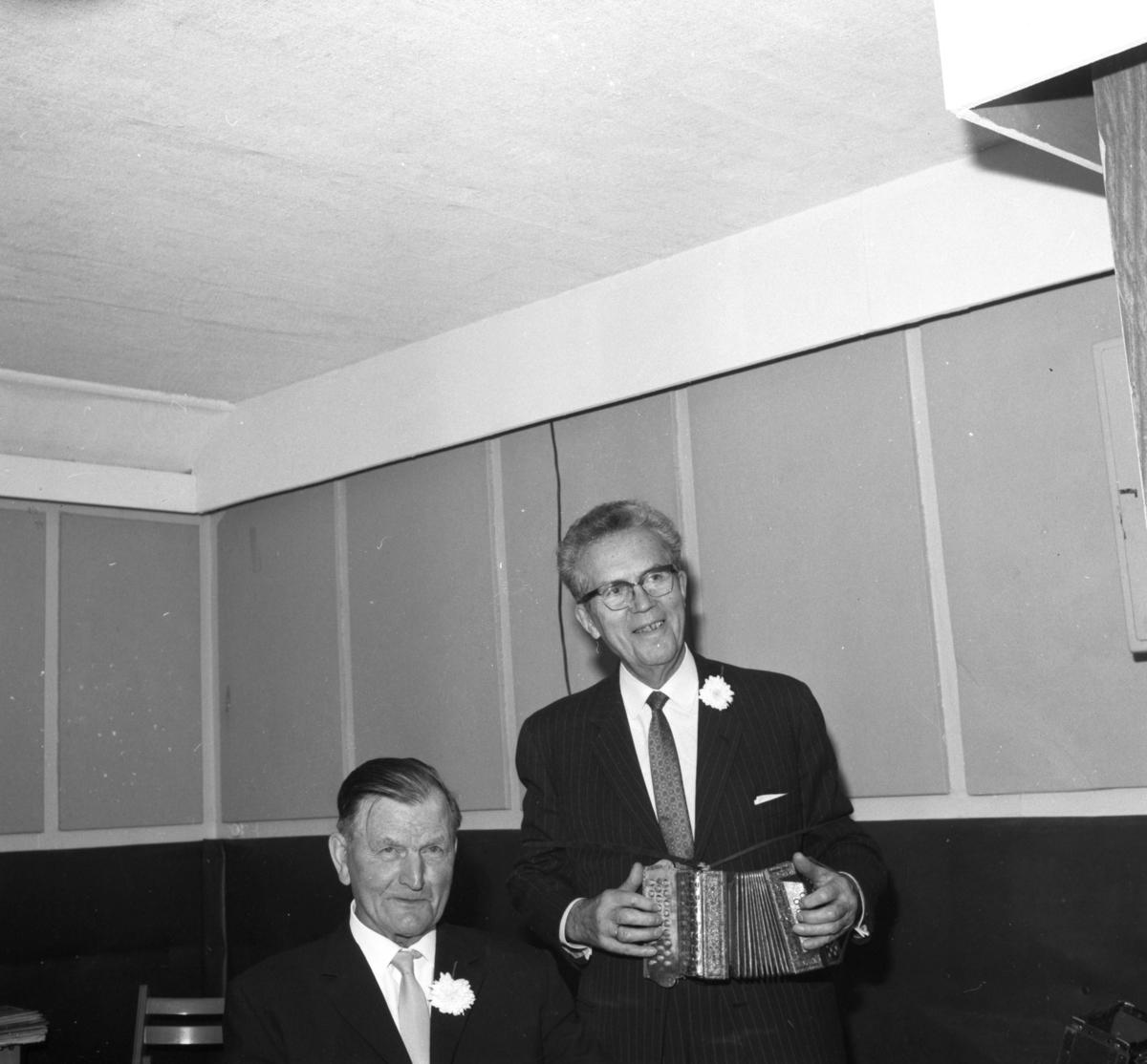 Ottar E. Akre og Johan Elsmo