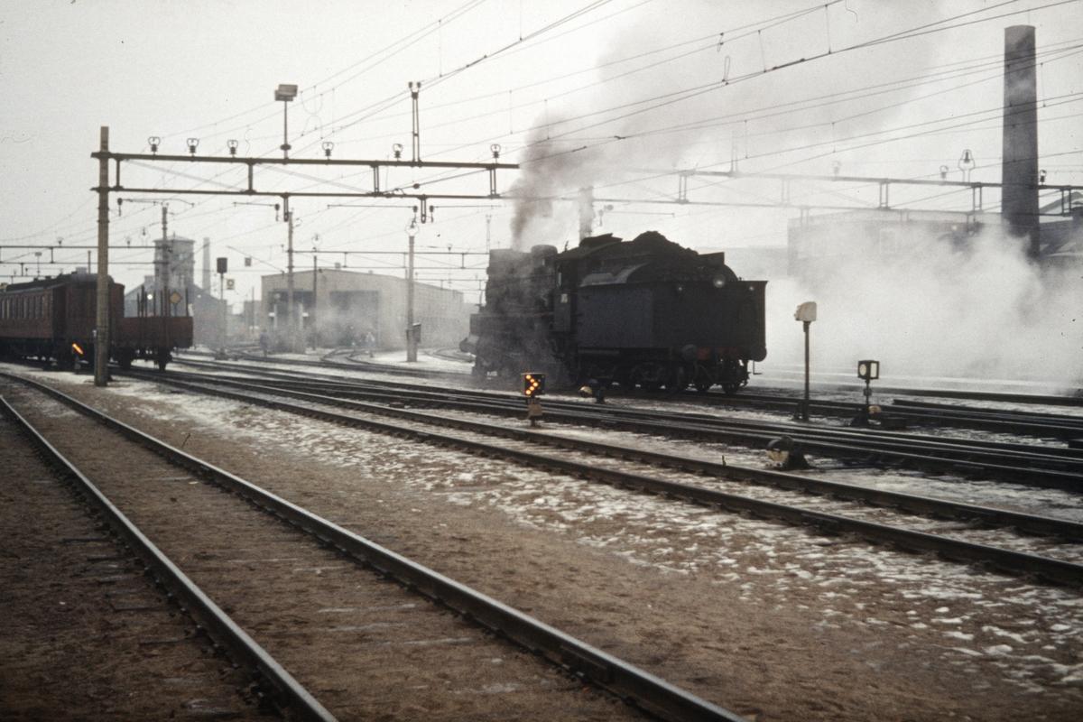 Damplok type 26c på Hamar stasjon, trolig lok 434 eller 436.