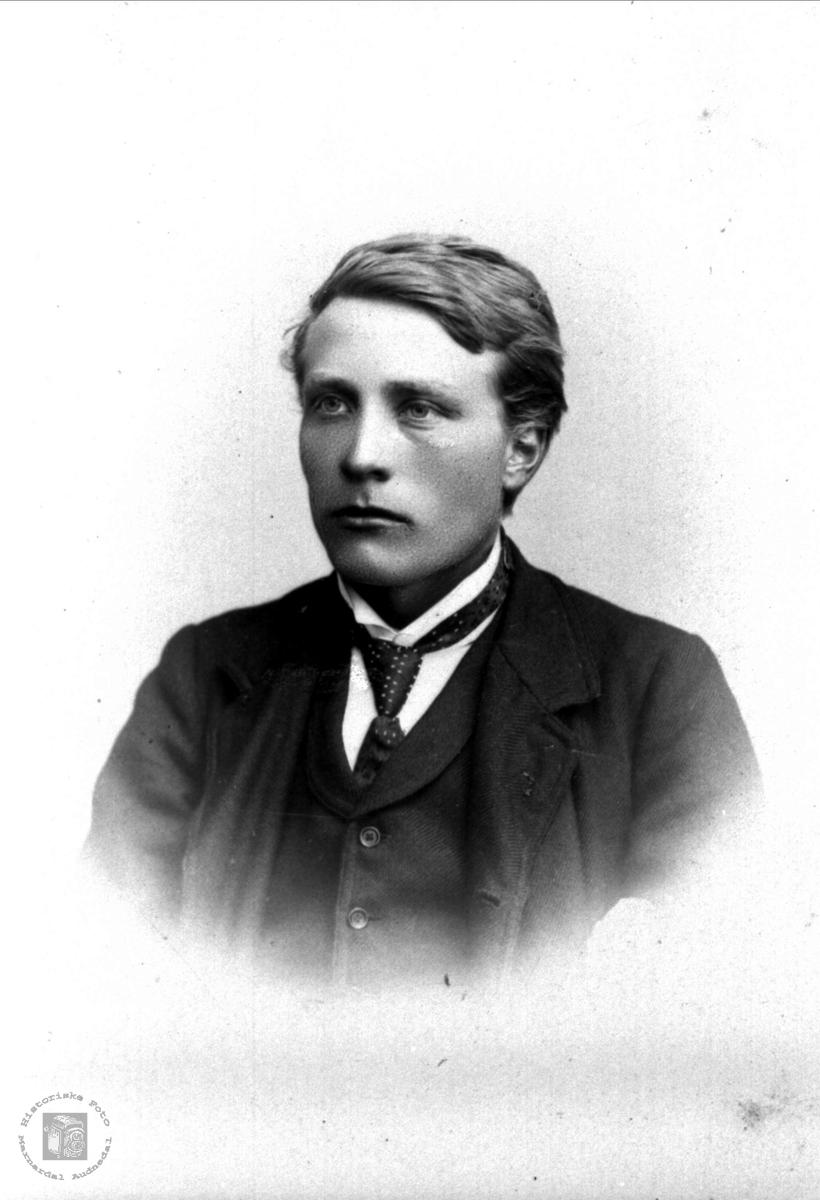 Portrett av Knut Bentson Finsådal  1881-1957, Øyslebø.