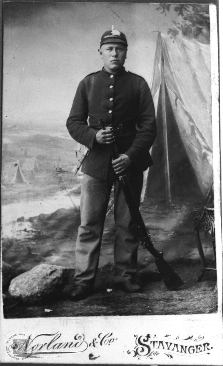 Soldat portrett av Tobias Øyslebø.
