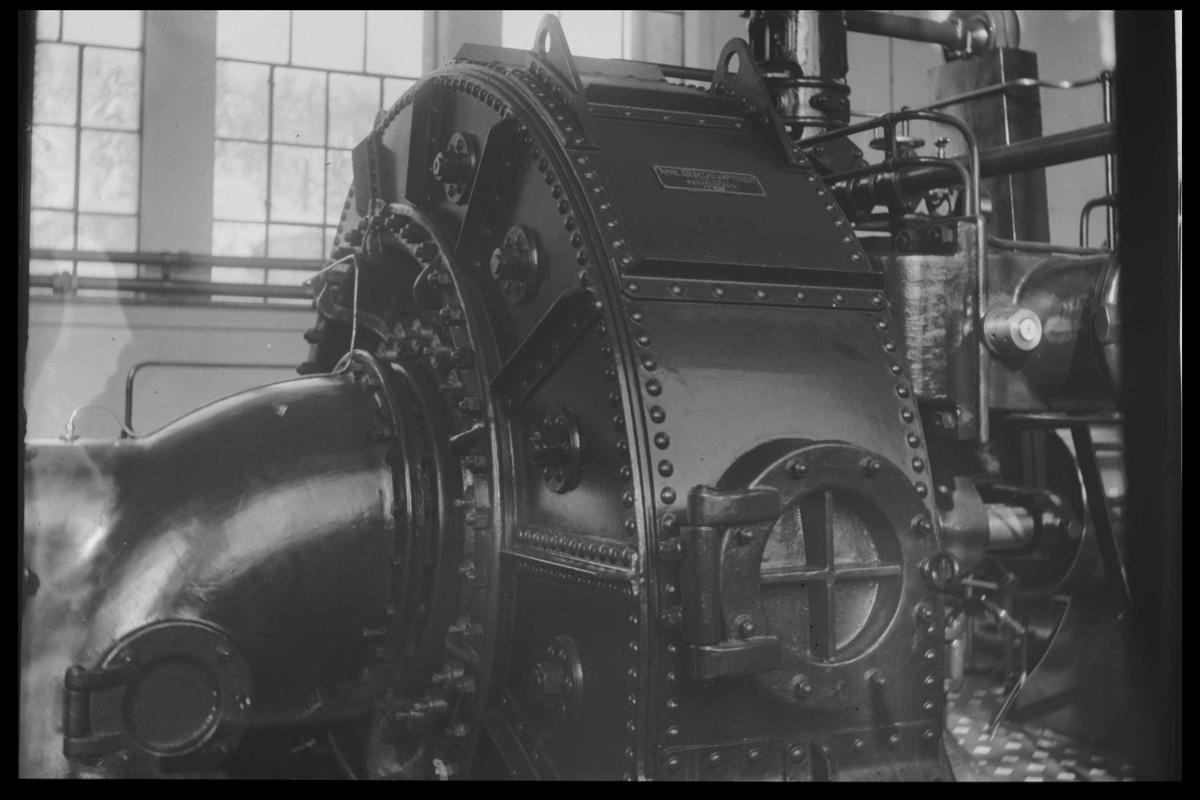 Arendal Fossekompani i begynnelsen av 1900-tallet CD merket 0474, Bilde: 6 Sted: Haugsjå Beskrivelse: Turbin