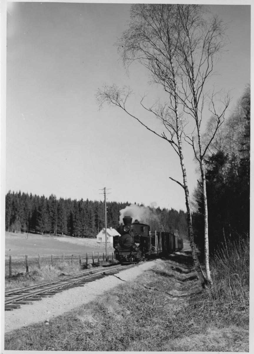 Tog 2051 til Skulerud.