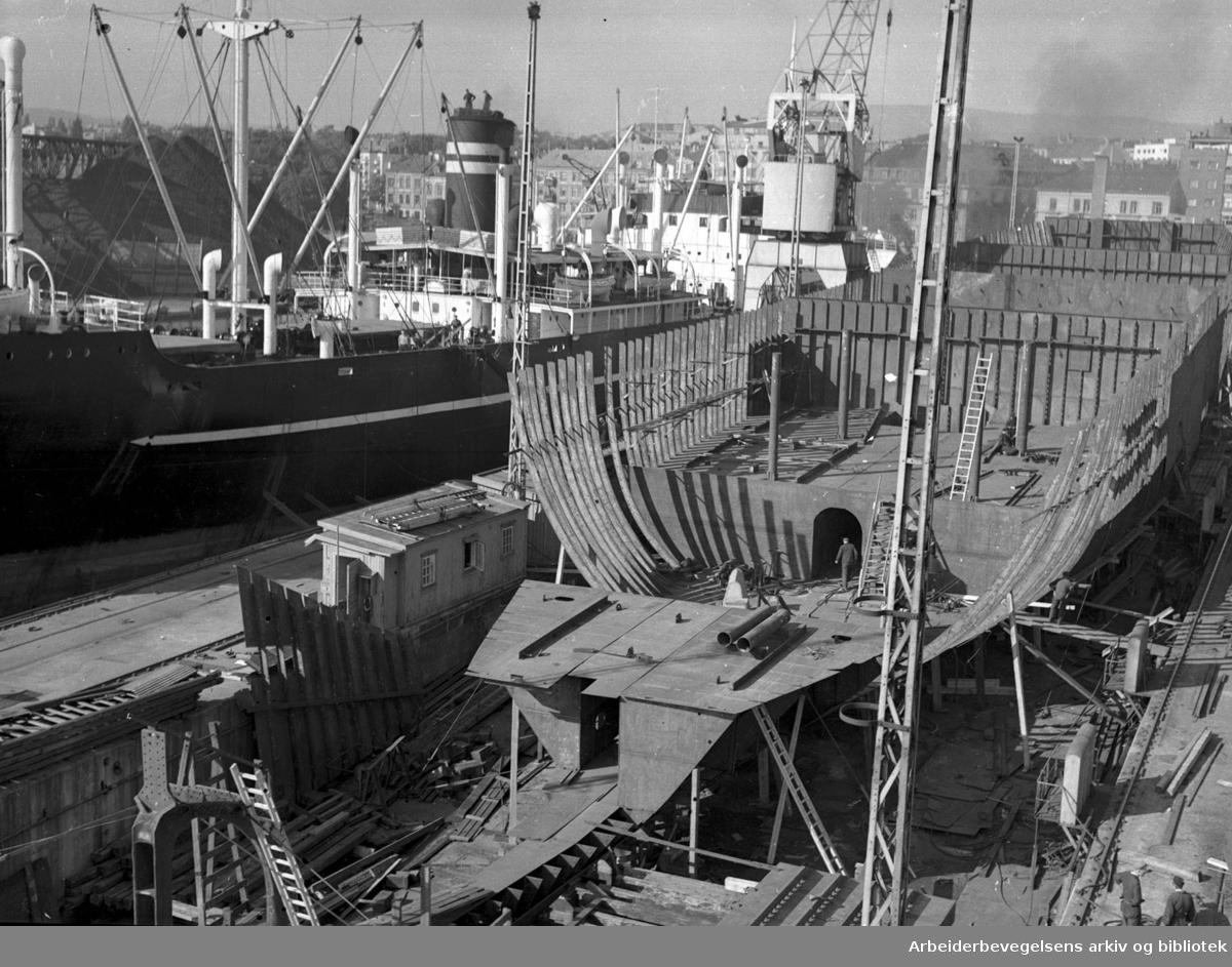 Skipsbygging ved Akers mekaniske verksted,.september 1953