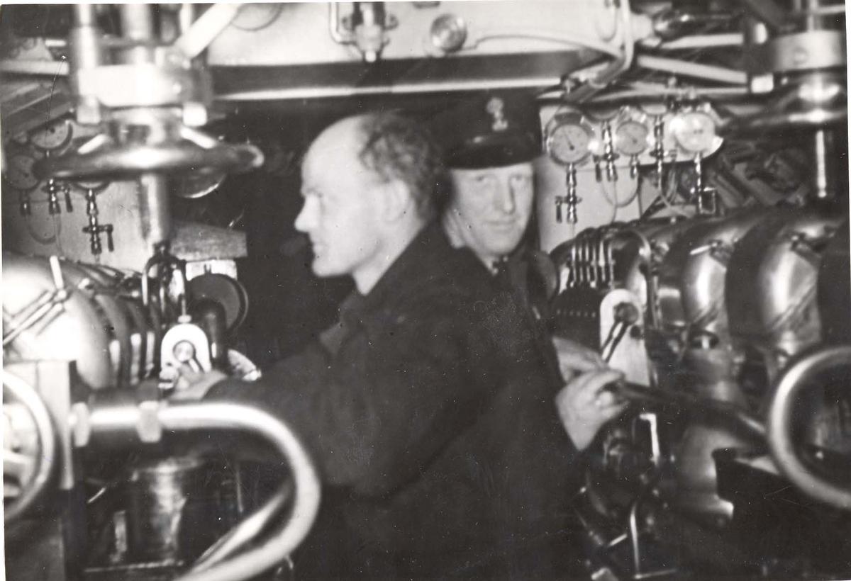Jageres Stord, maskinrommet/Mathiassen og Svanberg.
