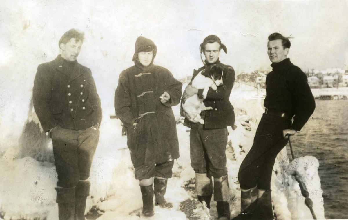 Album Ubåtjager King Haakon VII 1942-1946 Steffensen, Deakin?, Christiansen og Solberg.