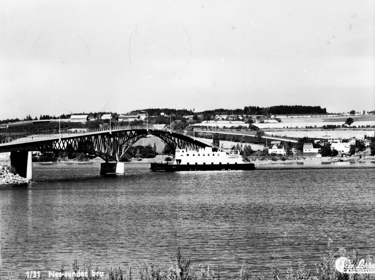 M.F Hamar-Kapp ferga ved Nessundet bru, Mjøsa.