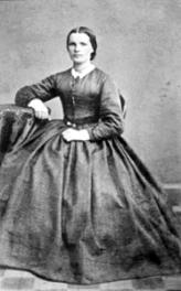 AGNETHE ANDERSDATTER FØDT: SNARUD I FURNES 06. 11. 1842- 06. 02. 1875, KJOLE, KVINNEKLÆR