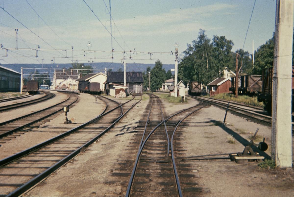 Sporområdet på Sørumsand stasjon.